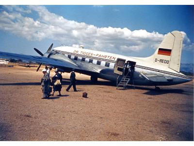 Die Fahrt Dr. Tigges Flugzeug