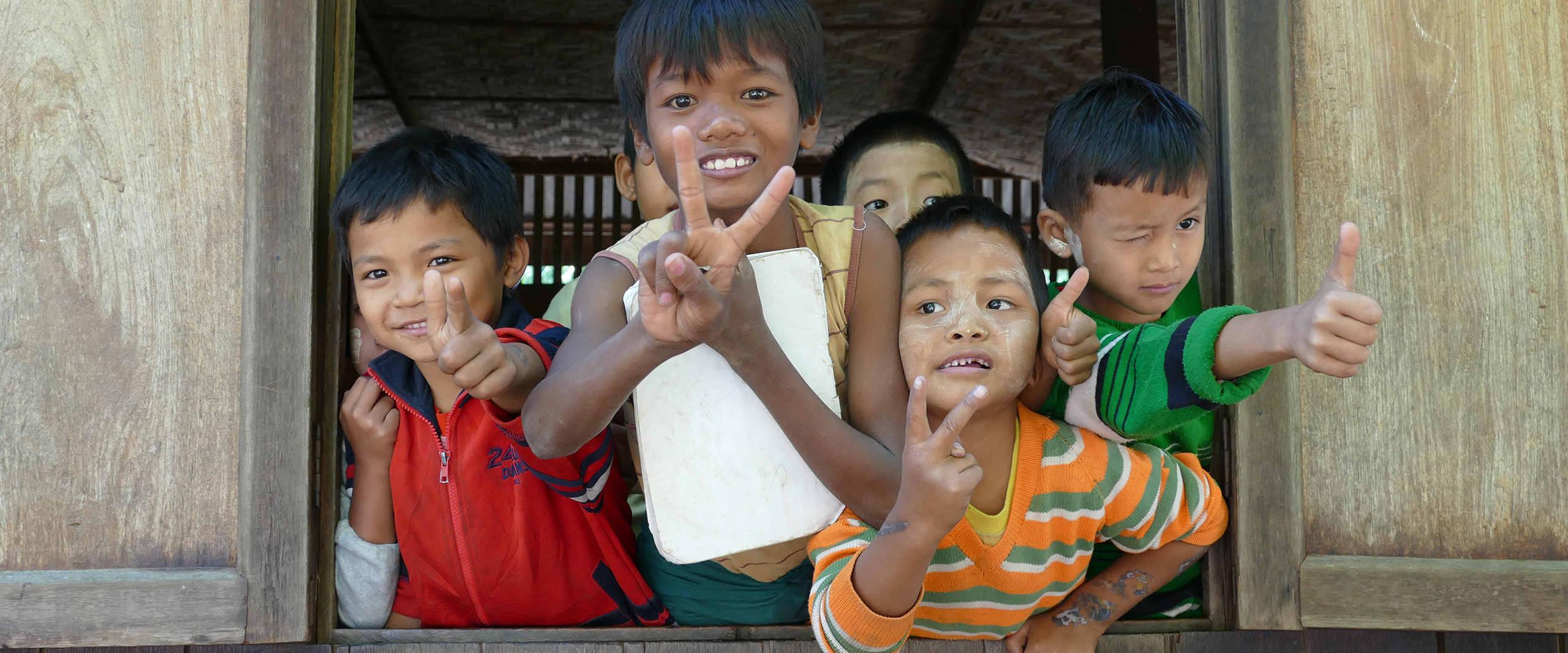Kinder der Taung Ba Schule in Myanmar