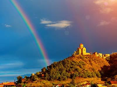 Rundreise Georgien Tiflis Regenbogen