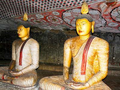Sri Lanka Rundreise Buddhismus Statue