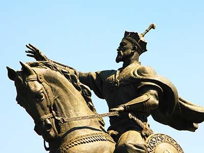 Rundreise Usbekistan Timur Statue