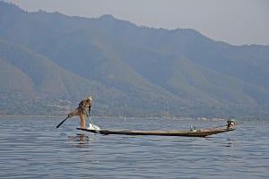 Die Beinruder-Fischer auf dem Inle-See