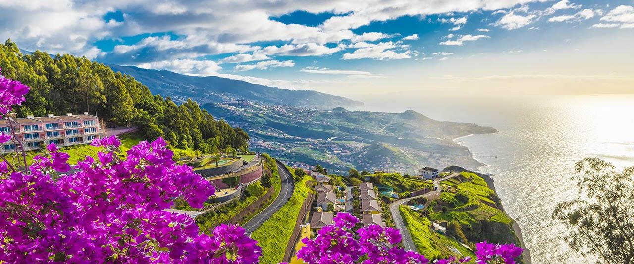 Blick von Madeira auf das Meer