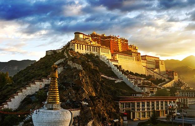 Blick auf den Potala-Palast in Tibet