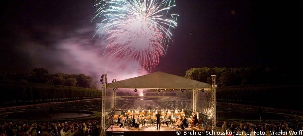 Feuerwerk im Schlosspark Augustusburg in Brühl
