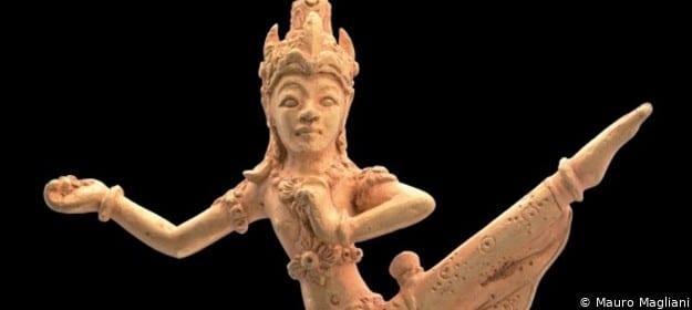 "Tanzende Mandala-Figur in der Ausstellung ""Javagold"" in den Reiss-Engelhorn-Museen in Mannheim"