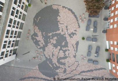 Innenhof des Kunstmuseums Pablo Picasso in Münster