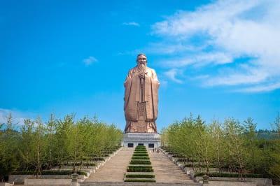 Shangdong - Konfuzius Statue